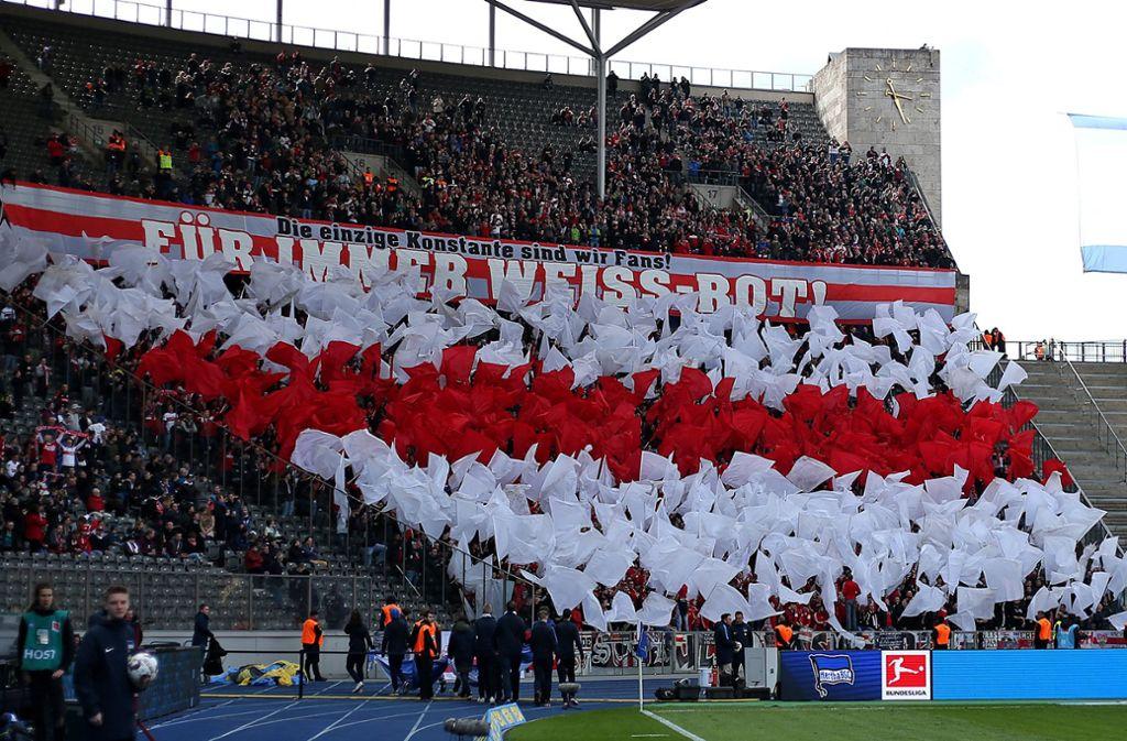 Die VfB-Fans sind auch auswärts eine Macht. Foto: Baumann