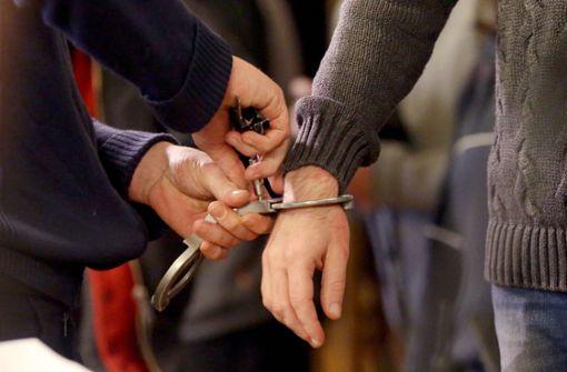 Opfer erwürgt – lebenslange Haft für Einbrecher