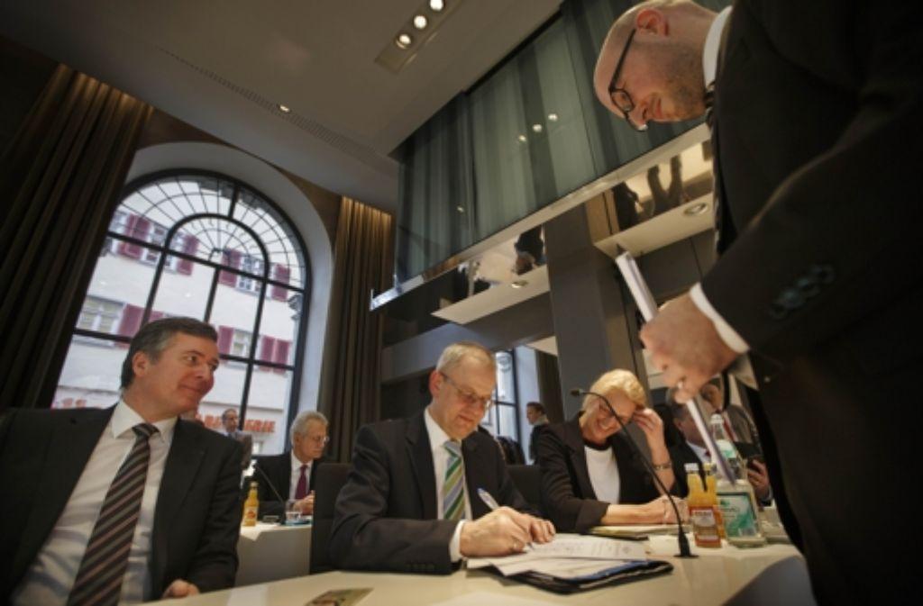 Die Verträge zur Remstal-Gartenschau-GmbH sind unterzeichnet. Foto: Gottfried Stoppel