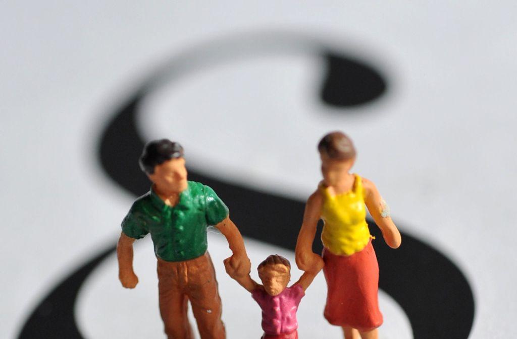 Wenn Eltern sich trennen, folgt die Entscheidung, wo die Kinder ihren Lebensmittelpunkt haben. Im Wechselmodell gibt es zwei gleichberechtigte Wohnorte. Foto: dpa
