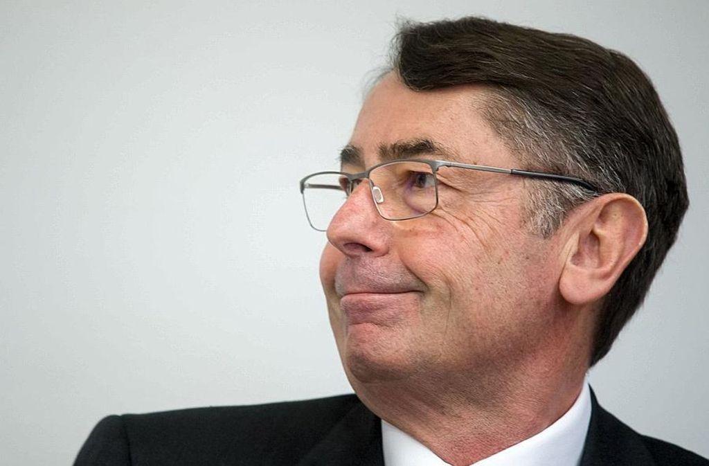 Der ehemalige HRE-Chef Georg Funke (Bild) kann sich freuen: Der Prozess gegen ihn und den ehemaligen Finanzvorstand Markus Fell wird eingestellt. Foto: dpa