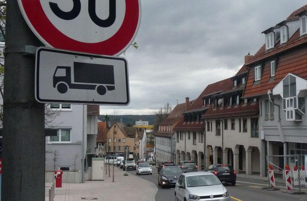 Noch steht der Messcontainer in der Grabenstraße unterhalb der Kreissparkasse. Foto: LKZ