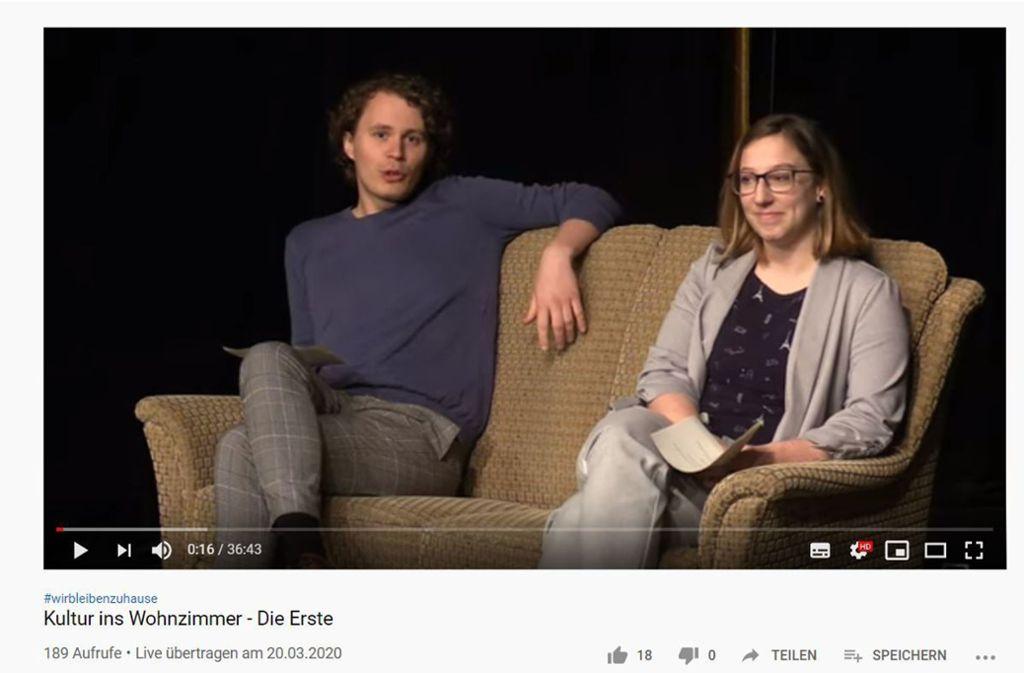 Philipp Falser und Julia Rohn vom Kunstdruck Central Theater bei ihrem ersten Kultur-Livestream Foto: Screenshot Youtube