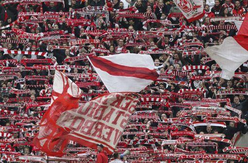 25-Jähriger bei Zweitligaspiel in Köln schwer verletzt