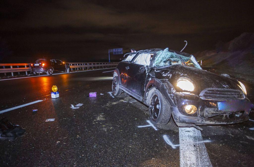 Bei dem Unfall auf der A8 wurde ein Fahrer schwer verletzt. Foto: 7aktuell.de/Simon Adomat