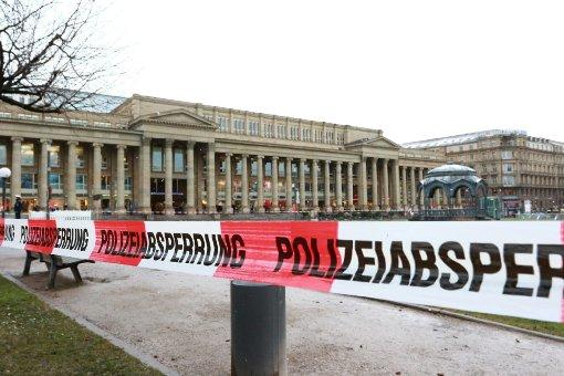 Polizei räumt den Schlossplatz