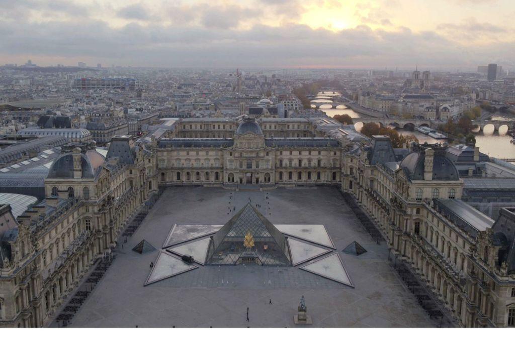 Weltberühmt: der Louvre in Paris mit der Glaspyramide im Napoleonhof Foto: ZDF/Label Image, Label News