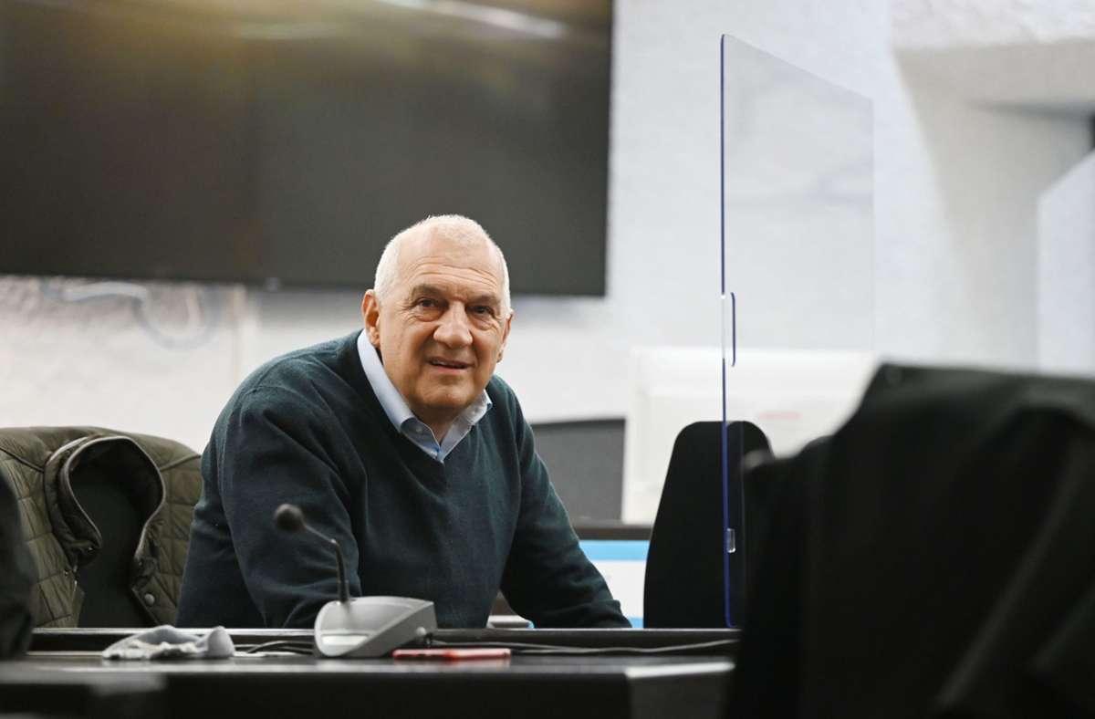 Windreich-Gründer Willi Balz vor der Urteilsverkündung am Landgericht Stuttgart. Foto: dpa/Marijan Murat