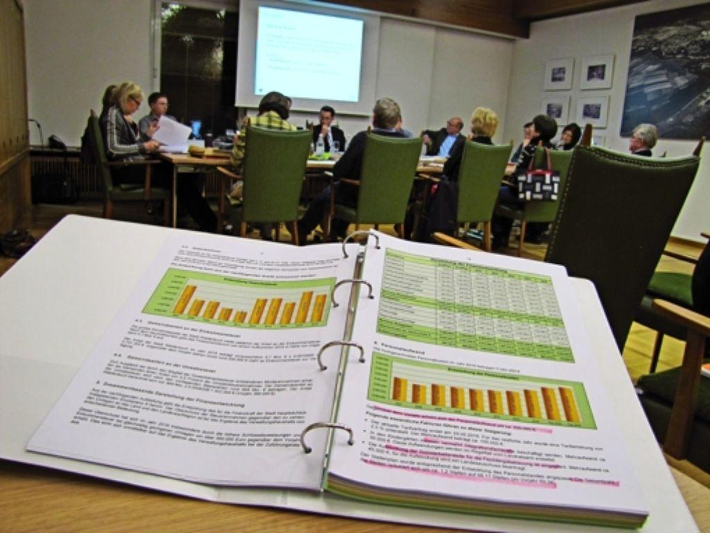 Im Gemeinderat laufen die Vorbereitungen für die Einführung des neuen Haushaltsrechts.  Von 2017  an gilt  das Prinzip der doppelten Buchführung. Foto: Claudia Barner