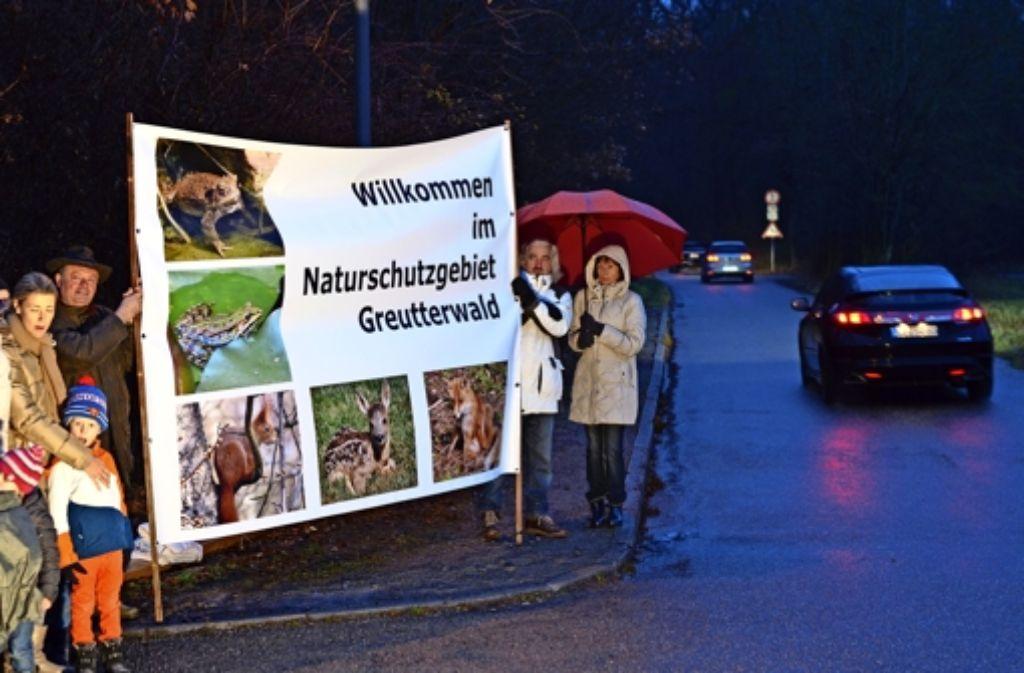 Wie hier mit einer Demonstration im Dezember vergangenen Jahres soll mit der Menschenkette am kommenden Freitag für den Naturschutz sensibilisiert werden. Foto: Archiv Martin Braun