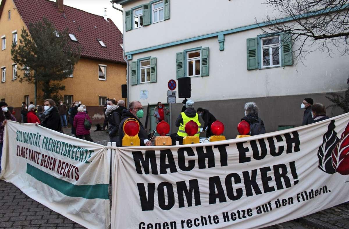 Bei der Demo und der Gegendemo am 19. Februar war die Teilnehmerzahl auf beiden Seiten dreistellig. Das war eine Ausnahme. Foto: Archiv/Caroline Holowiecki