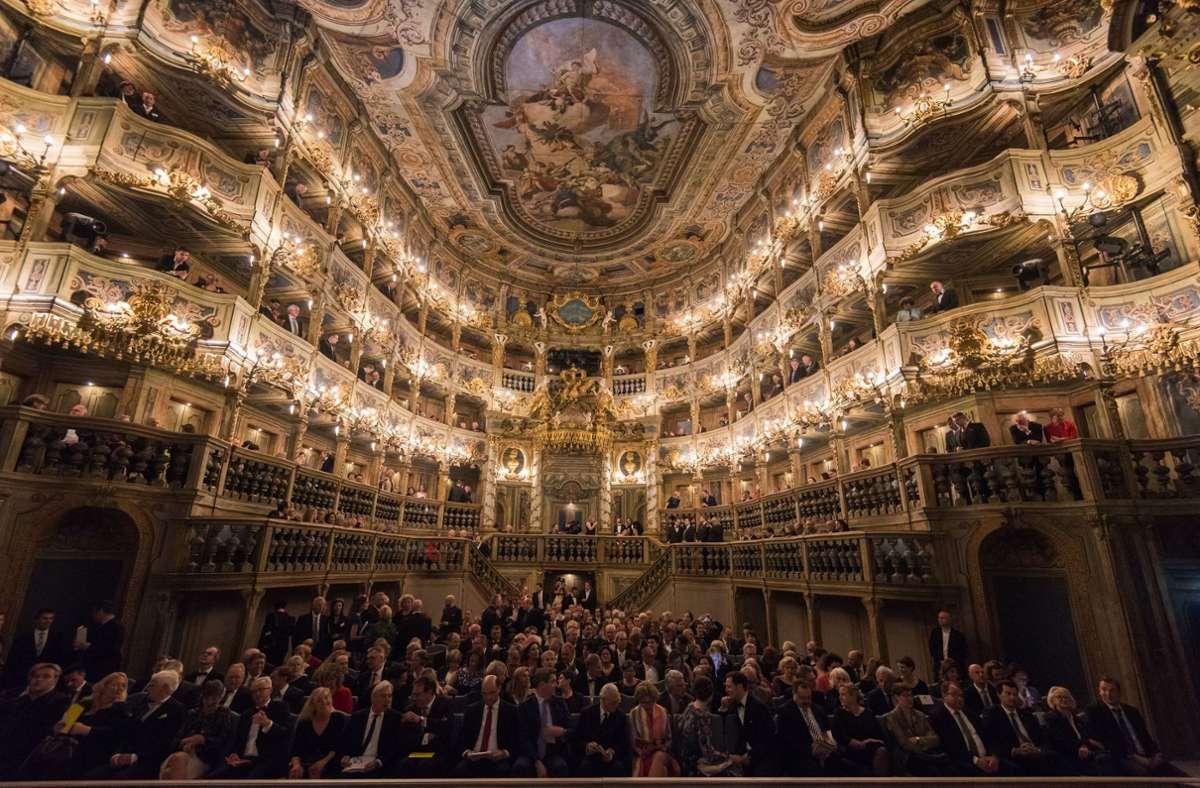 Blick in den Saal des Markgräflichen Opernhauses in Bayreuth, das im April 2018 nach fünfjähriger Renovierung wiedereröffnet wurde. Foto: dpa/Nicolas Armer
