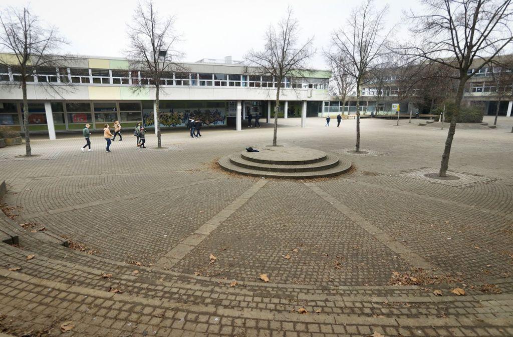 Am Bildungszentrum West schlugen die Täter zwischen September und Dezember 2019 mehrfach zu. Foto: factum/Granville/Simon Granville/factum