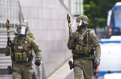 Spezialeinheit der Polizei überwältigt Bankräuber