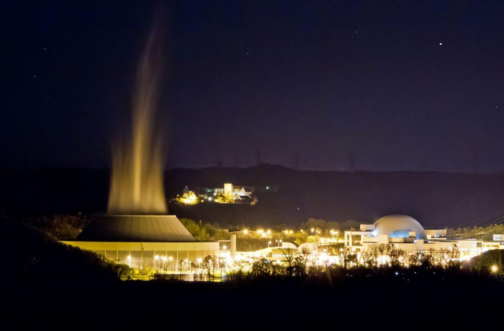 Im Atomkraftwerk Neckarwestheim soll noch bis längstens Ende 2022 Strom produziert werden. Foto: Jürgen Fälchle - stock.adobe.com