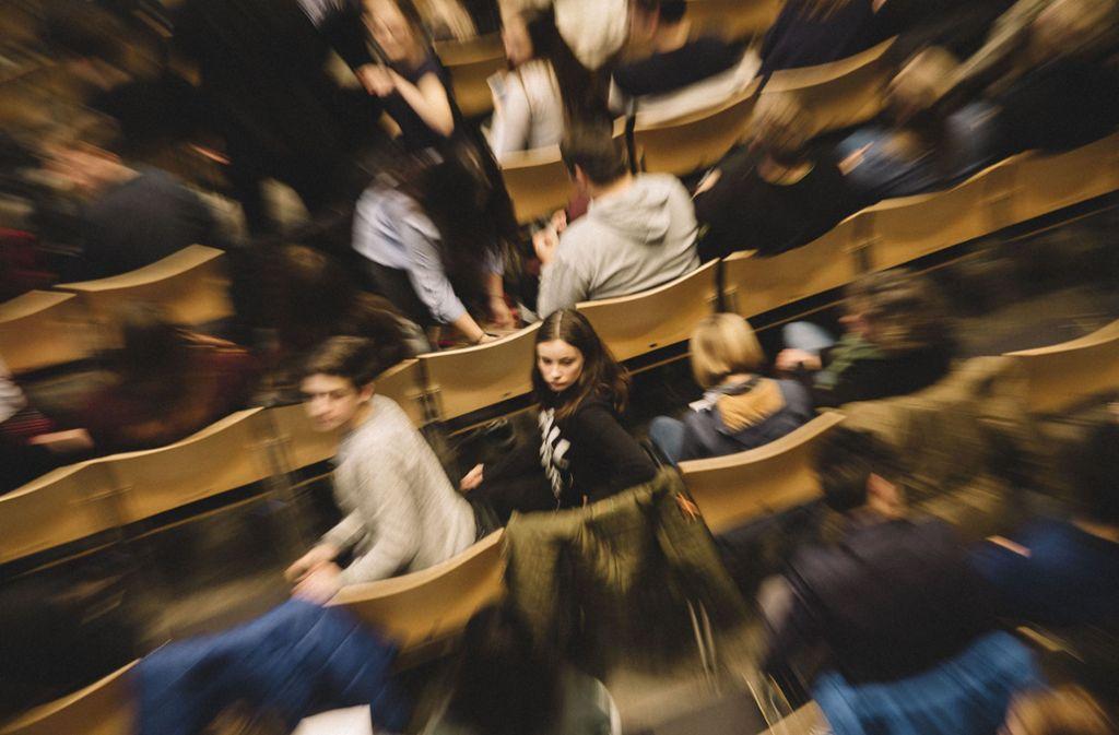 Schichtwechsel im Großen Sitzungssaal des Stuttgarter Rathauses Foto: Lichtgut/Leif Piechowski