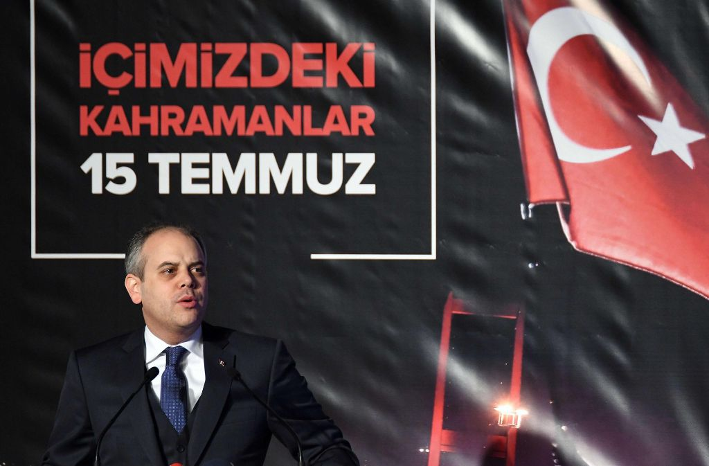 Der türkische Sportminister Akif Cagatay Kilic appellierte an die deutschen Medien Foto: dpa