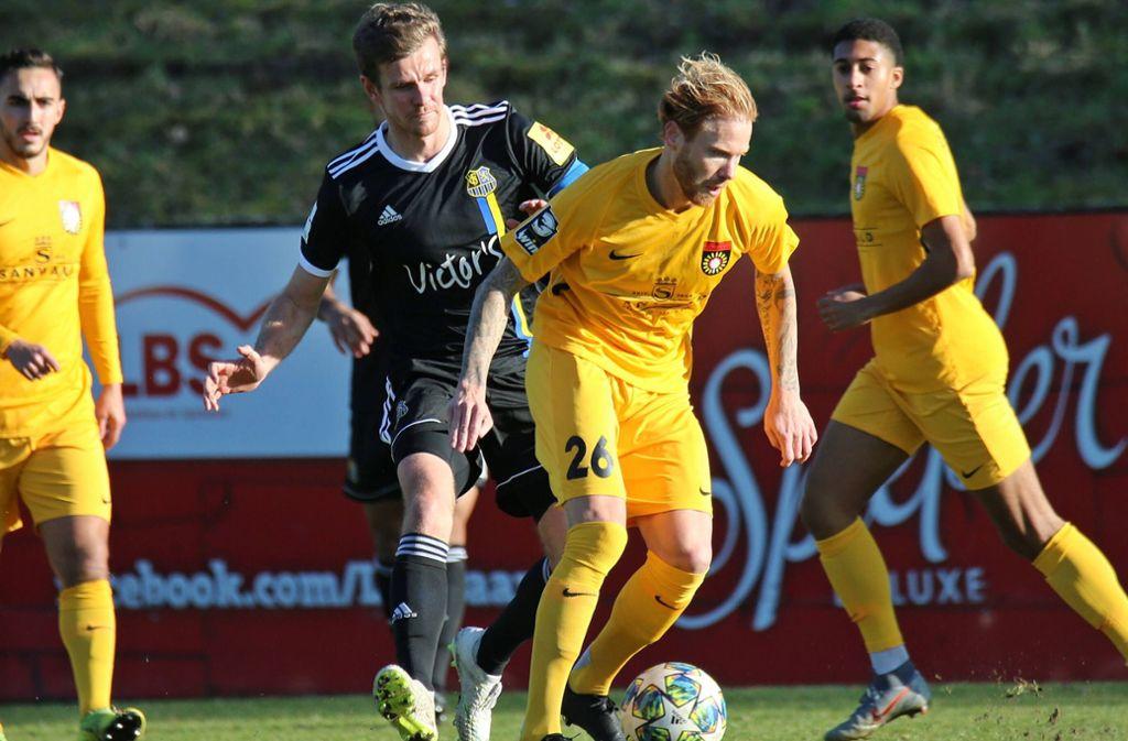 Alexander Farnerud (vorne) lief im Test gegen Saarbrücken für die SG Sonnenhof auf. Foto: imago images/Jan Huebner