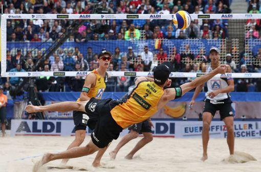 Deutsches Beachvolleyball-Duo verpasst WM-Sensation knapp