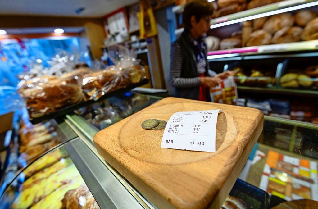 Geht es nach dem Bundesfinanzamt, bekommt künftig auch jeder Bäckereikunde einen Kassenzettel – selbst wenn er nur eine Brezel kauft. Foto: Lichtgut/Leif Piechowski