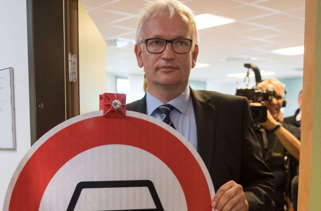Jürgen Resch, Bundesgeschäftsführer der Deutschen Umwelthilfe, hat das Diesel-Fahrverbot für Euro 4 in Stuttgart vor Gericht durchgesetzt. Auch für Euro-5-Diesel will er eine Verbotszone. Foto: dpa/Marijan Murat