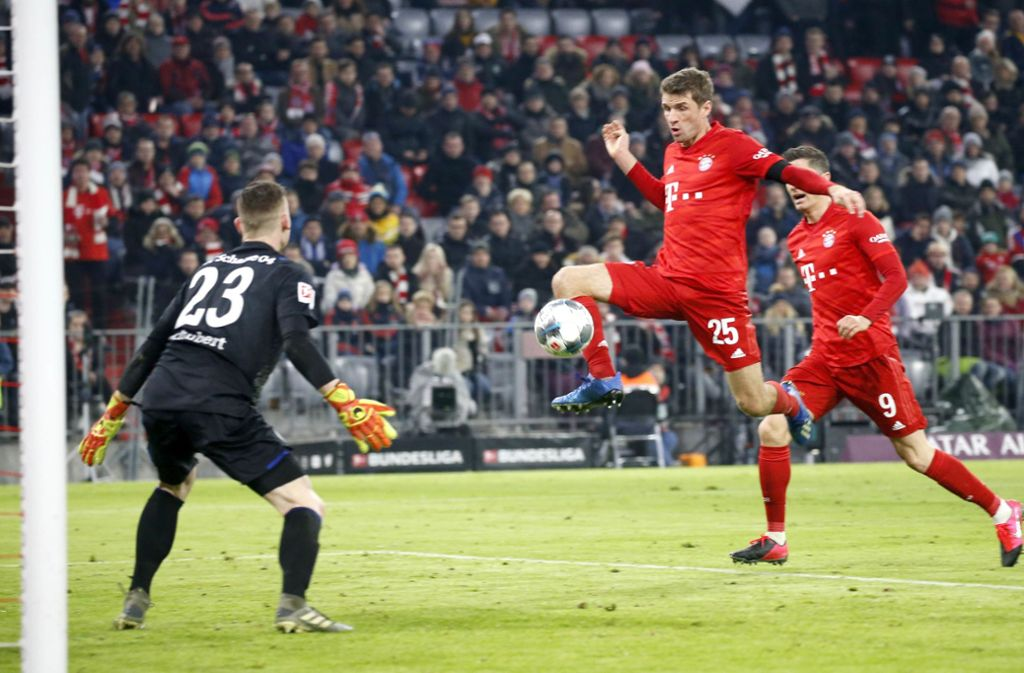 Thomas Müller traf kurz vor der Halbzeitpause zum 2:0 gegen Schalke Foto: Rauchensteiner/Hans Rauchensteiner