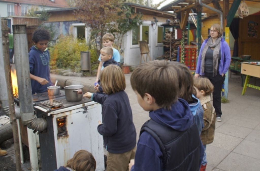 Auf  der Kinder- und Jugendfarm kann nun gebaut werden. Foto: Leonie Hemminger