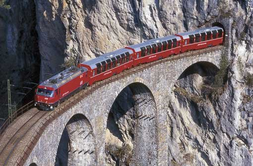 In einem Zug über die Alpen