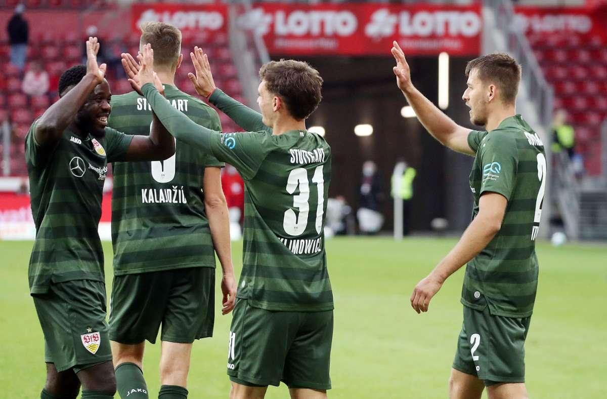 Der Jubel nach dem Sieg in Mainz ist bei den VfB-Profis groß. Doch zugleich richtet sich der Blick nach vorn. Foto: Baumann