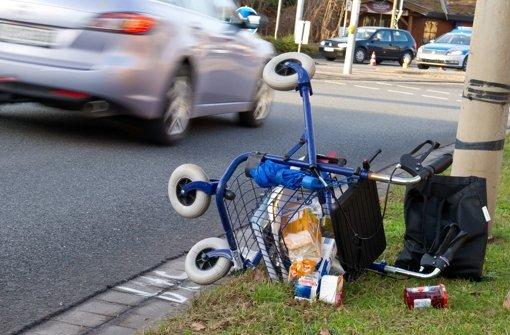 Sehbehinderte Frau überfallen