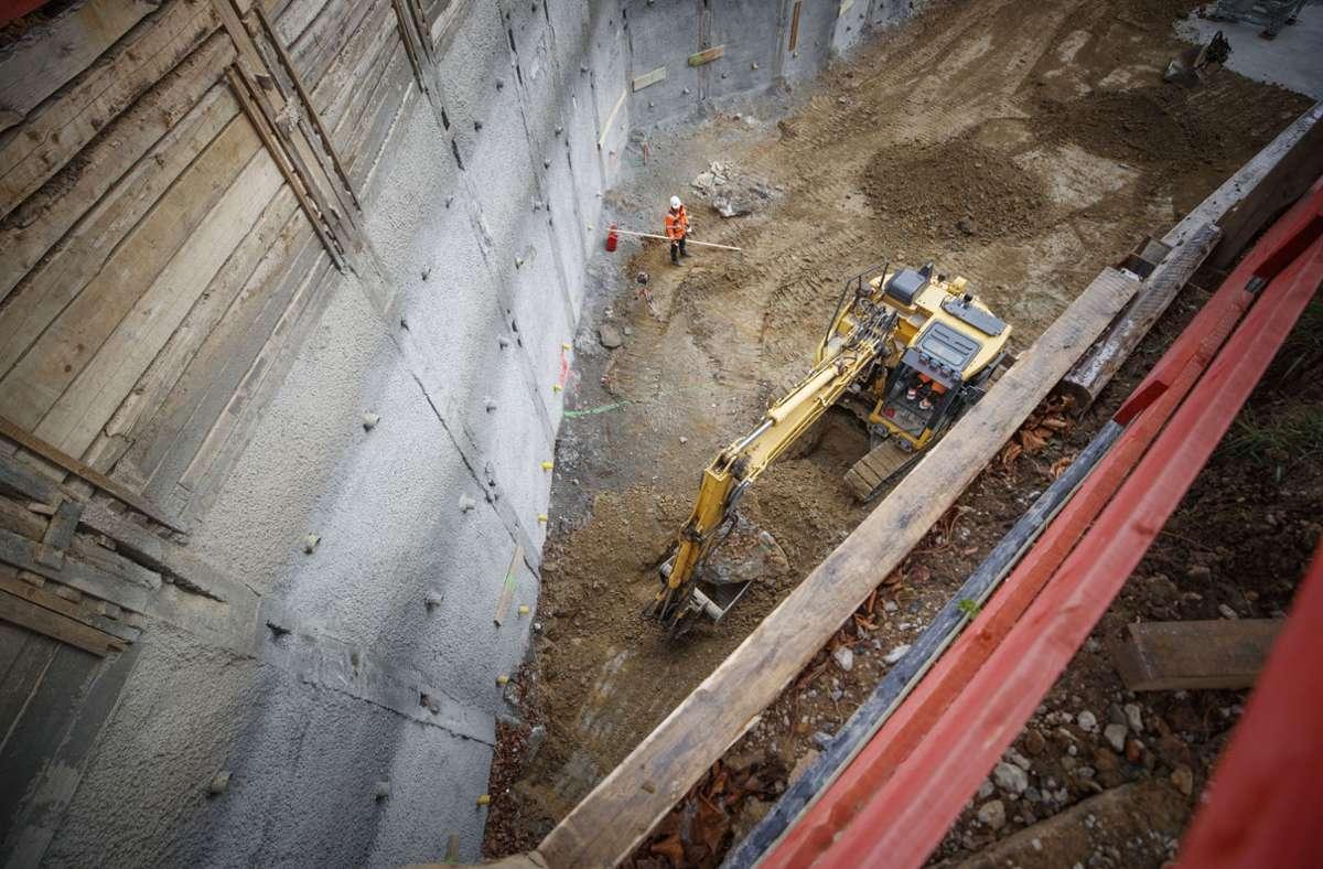 In der Baugrube werden zurzeit die  Gründungsarbeiten gemacht. Foto: Gottfried Stoppel