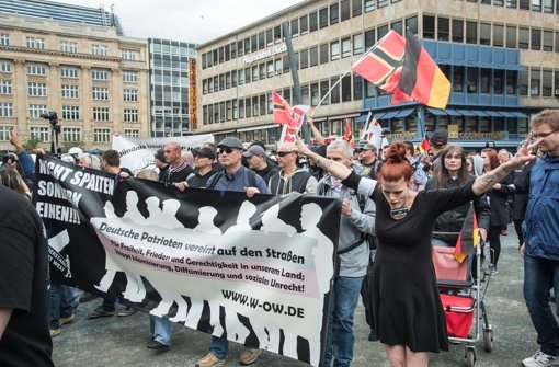 "Die Initiative ""Widerstand Ost/West"" hat in Frankfurt demonstriert.  Foto: Getty Images Europe"