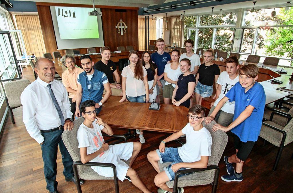 Seit knapp zwei Jahren sind die Jugendgemeinderäte in Korntal-Münchingen im Amt. Im Juli stehen neue Wahlen an.  Auch in Ditzingen und Gerlingen sind Jugendräte aktiv  – und setzen sich etwa für Erklärtafeln an Straßennamen ein. Foto: factum/Archiv