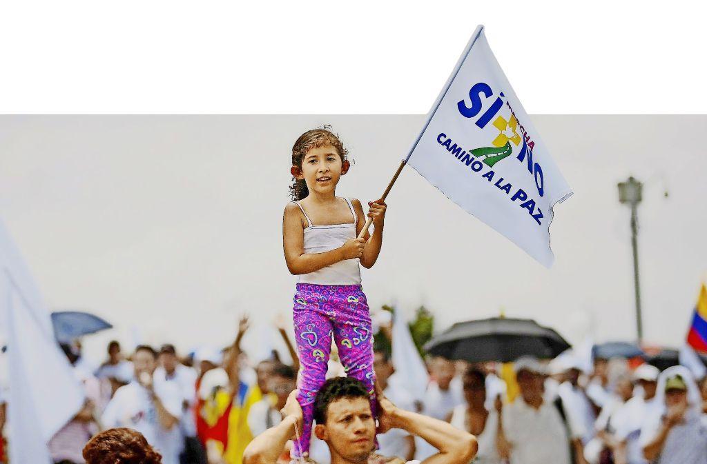 Sehnsucht nach Frieden: Immer demonstriert die Bevölkerung für eine Versöhnung zwischen den einstigen Kriegsparteien. Foto: dpa