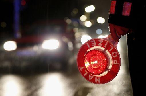 Betrunkener Autofahrer bei Verfolgungsjagd schwer verletzt