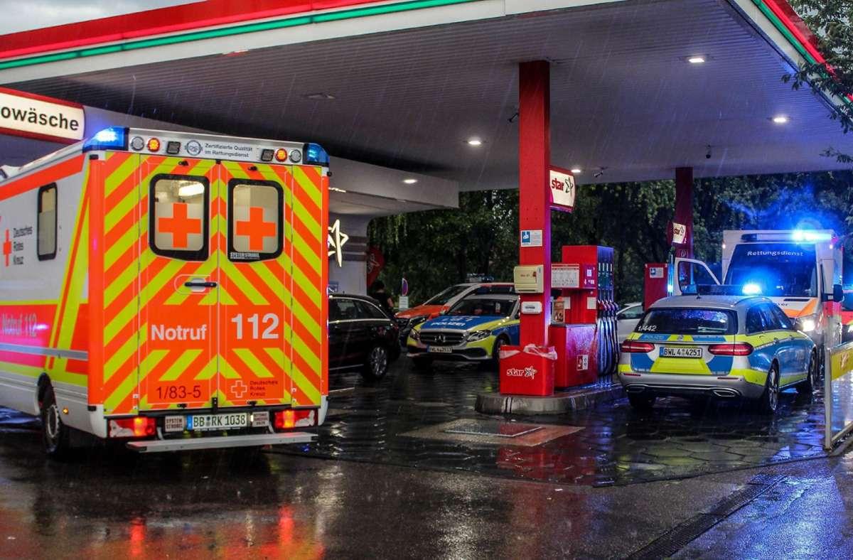 An einer Tankstelle in Sindelfingen gab es zehn Leichtverletzte. Foto: SDMG/SDMG / Dettenmeyer