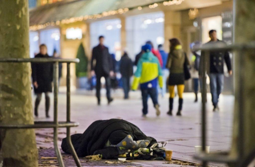 Wohnungsnot und Armut haben im Südwesten deutlich zugenommen. So stieg die Zahl der Menschen ohne Wohnung oder in anderen prekären Lebenslagen im vergangenen Jahr um 9,4 Prozent auf mehr als 11.200. (Symbolbild) Foto: dpa