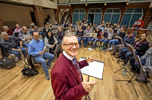 Reinhard Konyen steht an diesem Samstag zum letzten Mal bei einem Konzert am Pult der Stadtkapelle Gerlingen. Foto: factum/Granville