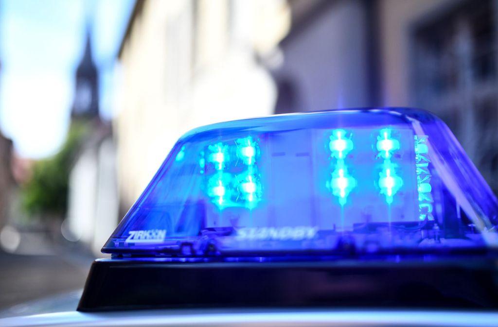 Die Polizei fahndet nach Dieben, die Gedenktafeln aus Messing gestohlen haben. Foto: dpa