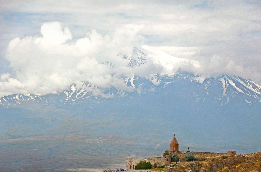 Alte Kirchen und eine grandiose Landschaft prägen das Land im Kaukasus. Foto: privat