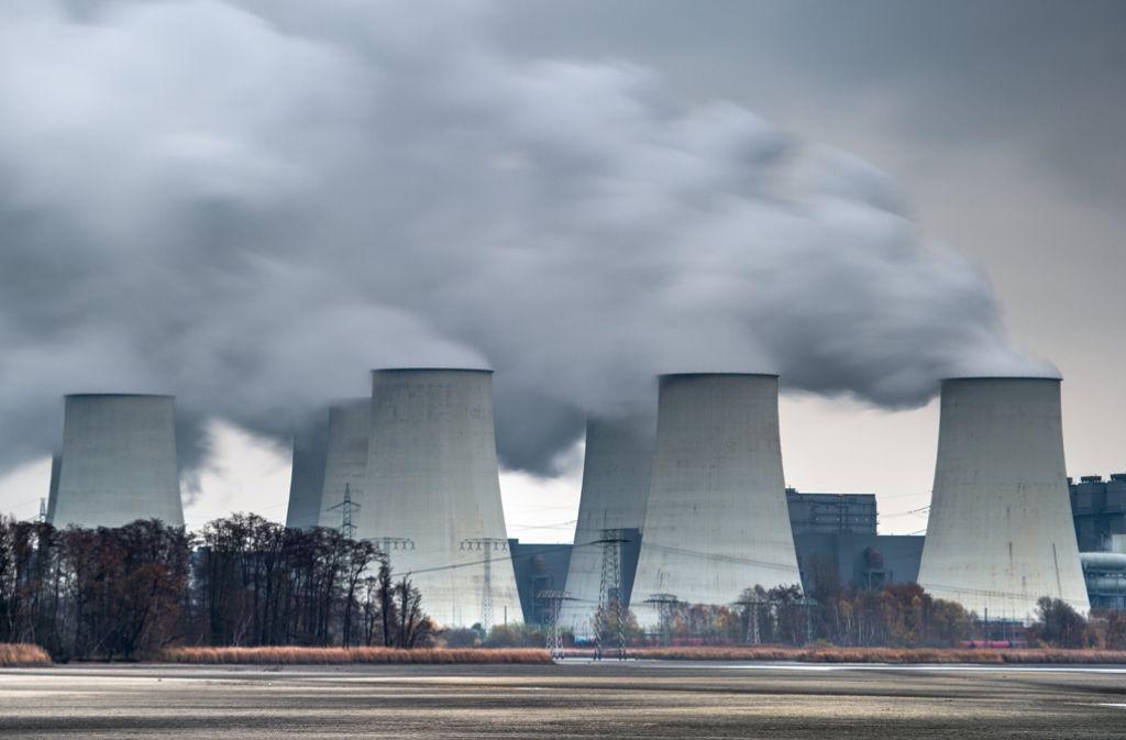 Der Energiekonzern Vattenfall verkauft seine Braunkohlesparte in der Lausitz an einen tschechischen Energiekonzern. Foto: dpa