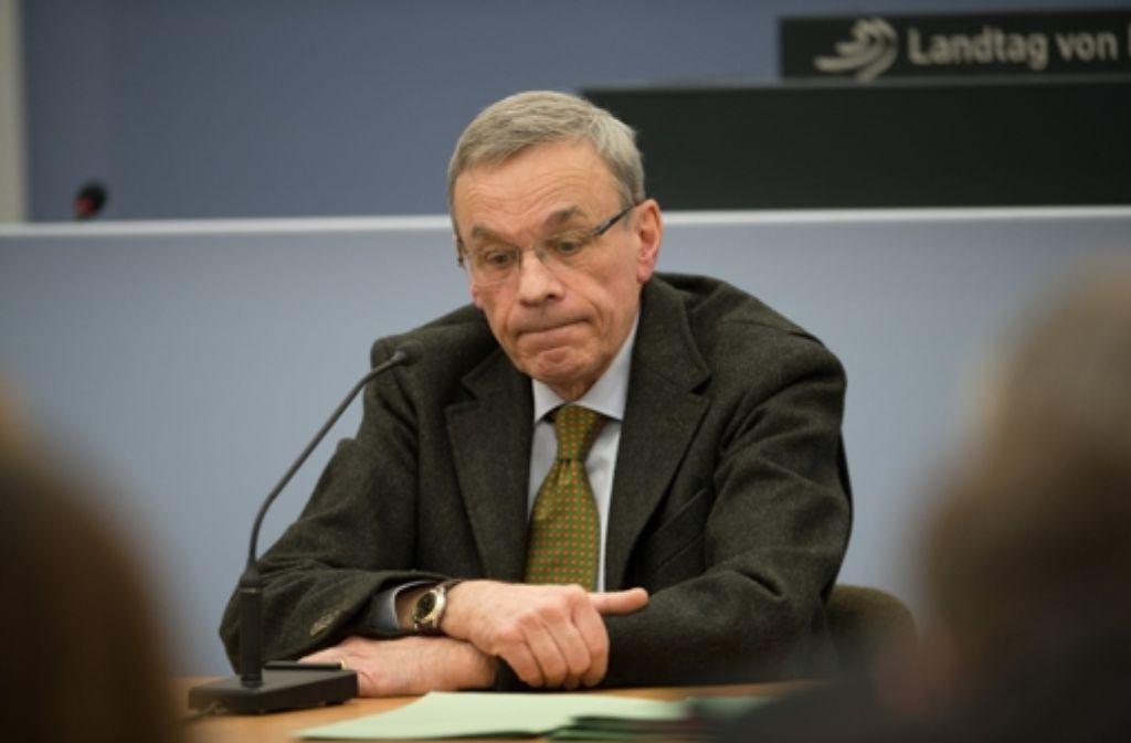 """Gegen den Ex-Oberstaatsanwalt Bernhard Häußler liegen nach Angaben der Generalstaatsanwaltschaft keine ausreichenden Anhaltspunkte für Ermittlungen wegen des """"schwarzen Donnerstags"""" vor. Foto: dpa"""