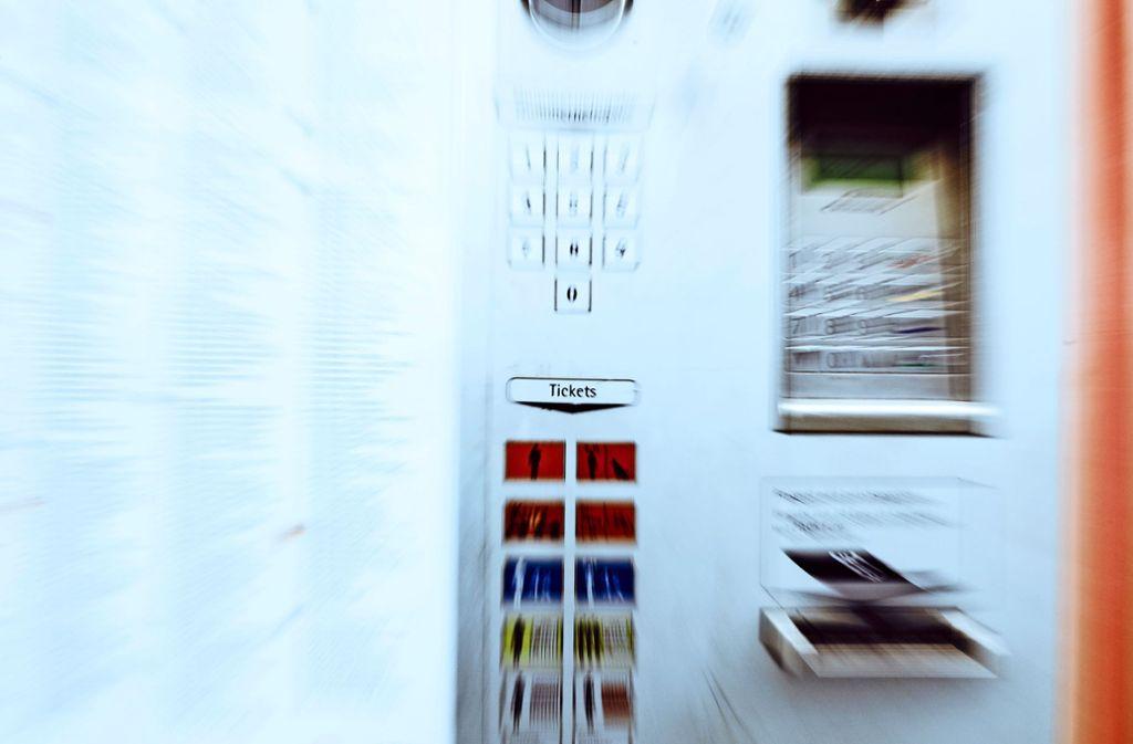 An den Ticketautomaten könnte es künftig ein neues Angebot geben. Foto: Thomas Krämer