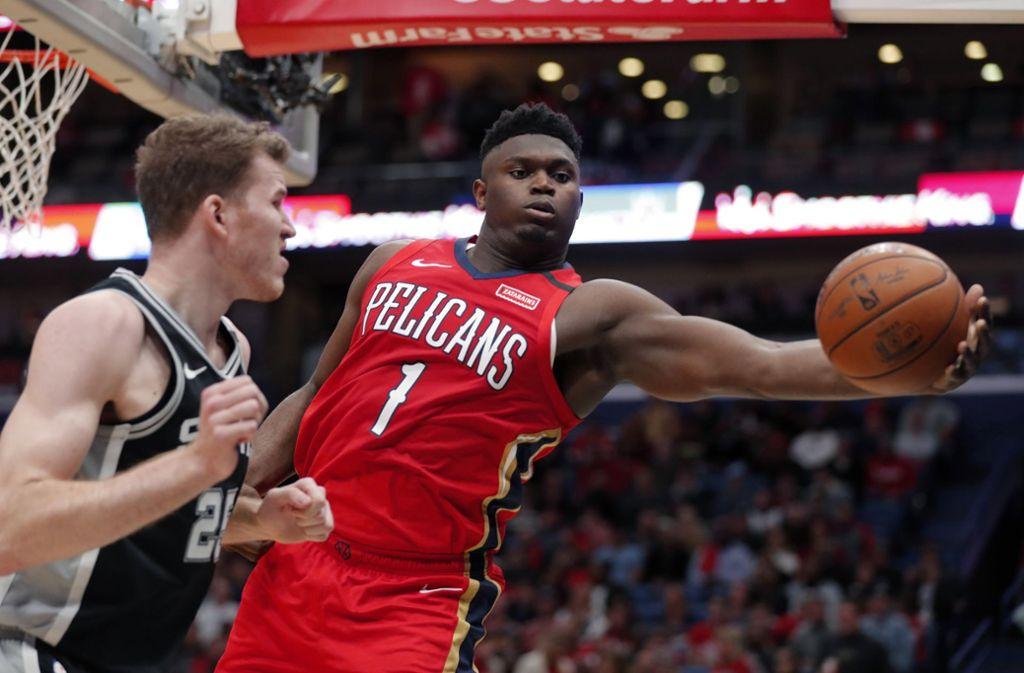 Zion Williamson überzeugte bei seinem ersten NBA-Spiel. Foto: AP/Gerald Herbert
