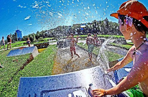 Neue Wasserrohre  für den Park