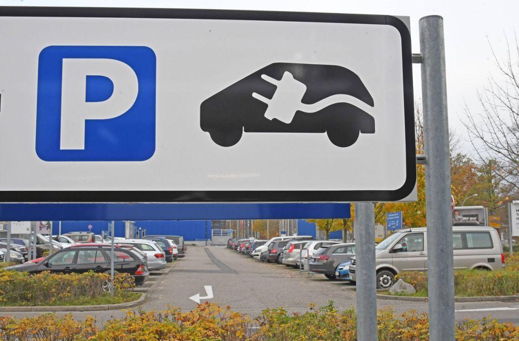 E-Ladestellen für Autos: Im Raum Albstadt-Sigmaringen ist die Versorgung relativ schlecht (Symbolbild). Foto: imago/Winfried Rothermel