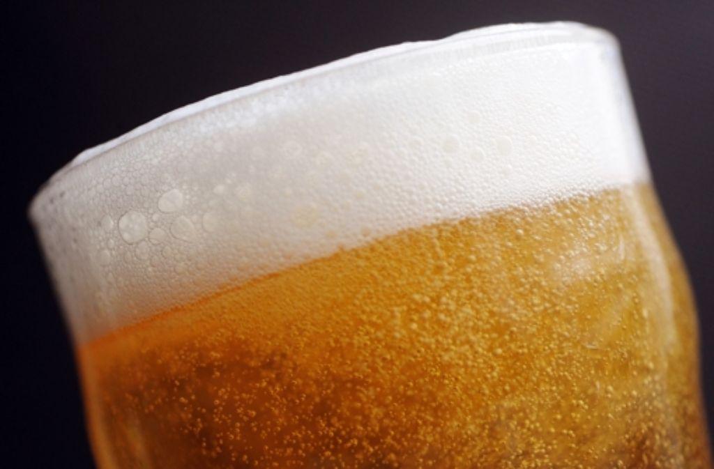 Hopfen gilt seit dem 8. Jahrhundert als Heilpflanze - und Bier ist das beliebsteste alkoholische Getränk der Deutschen Foto: dpa