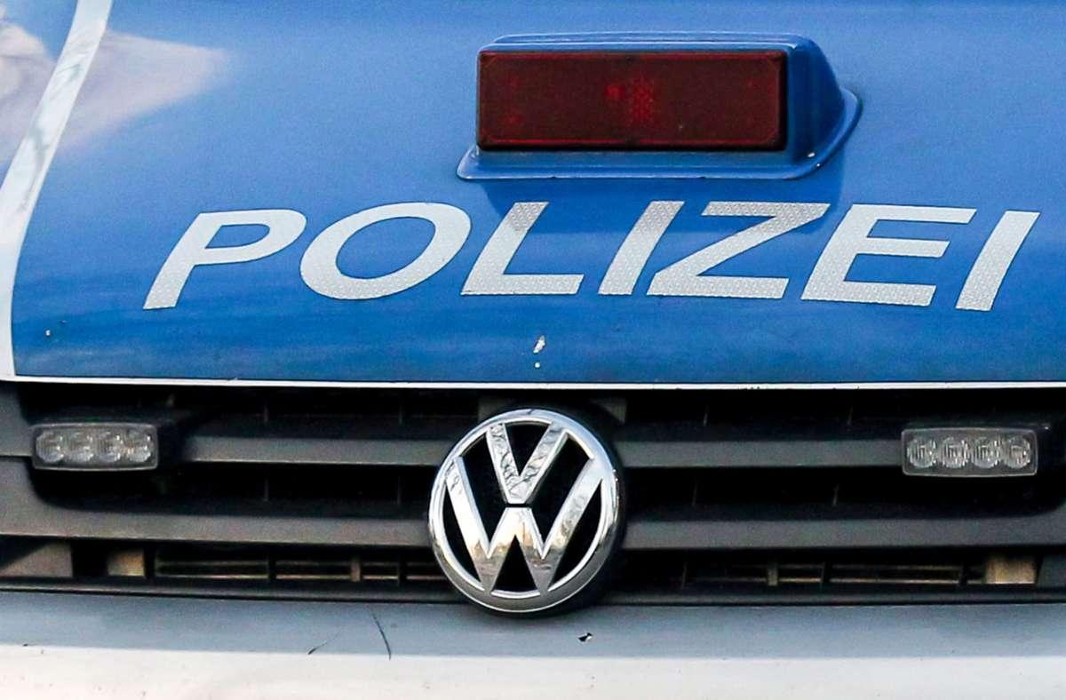 Unfall nach gesundheitlichen Problemen auf der Kreisstraße zwischen Sindlingen und Jettingen. Foto: Eibner-Pressefoto/Deutzmann / Eibner-Pressefoto