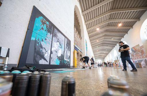 Dutzende Sprayer verwandeln Bonatzbau in Galerie