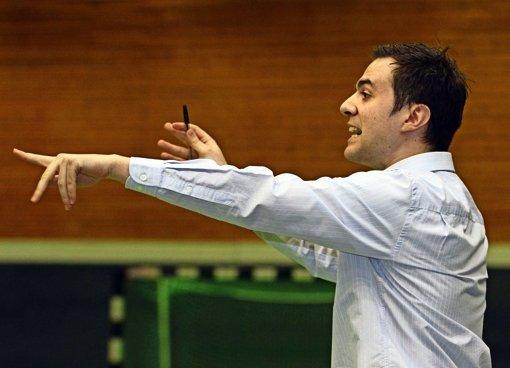 Miguel Garcia ist der neue Dirigent auf der Trainerbank des tus Stuttgart. Foto: Yavuz Dural